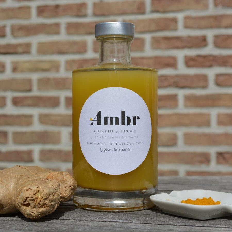 Une boisson biologique polyvalente avec du gingembre chinois de haute qualité, des notes de citron frais et du curcuma. Idéal pour l'apéritif ou comme boisson raffinée seule. Artisan, belge et délicieux!
